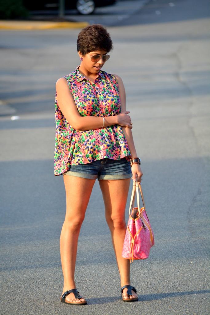 Pixie, Oversized top, Denim shorts, 3