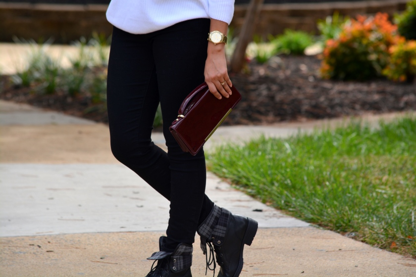 Monochrome, White Top, Black Jeans, Ear cuff, 4